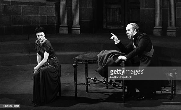 A scene from the Old Vic's 1949 production of the play Antigone at the New Theatre with Vivien Leigh as Antigone and George Ralph as her uncle Creon...