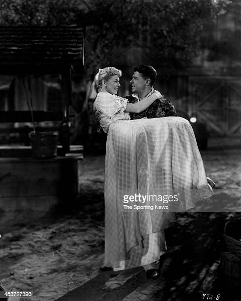 A scene from Warner Bros THE WINNING TEAM based on the life story of Grover Cleveland Alexander starring actress Doris Day actor Ronald Reagan as...
