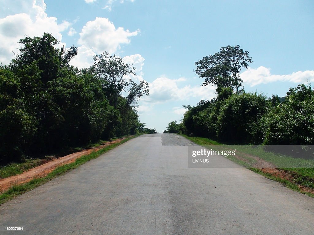 Scene Of An Empty Road While Traveling Around In Cuba : Stockfoto