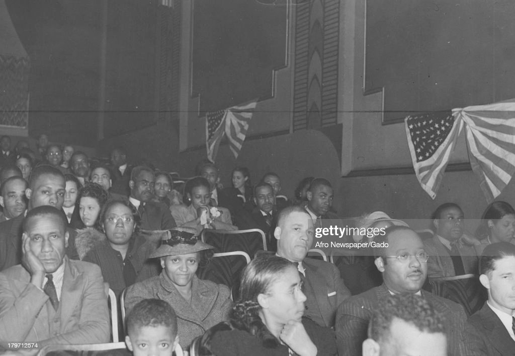 Scene Of Crowd At Opening Of Gone With The Wind April 20 1940 News Photo Getty Images