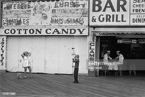 Scene on the Coney Island boardwalk during the filming of the Allendirected movie 'Annie Hall' New York New York 1977