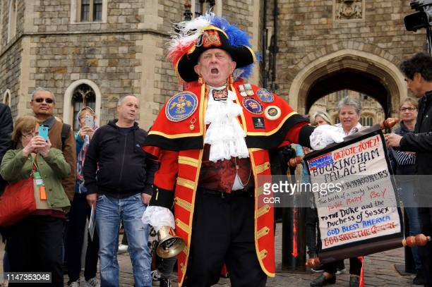 Scenes around Windsor Castle after the announcement of the birth of Meghan Duchess of Sussex and Prince Harry Duke of Sussex baby on May 06 2019 in...