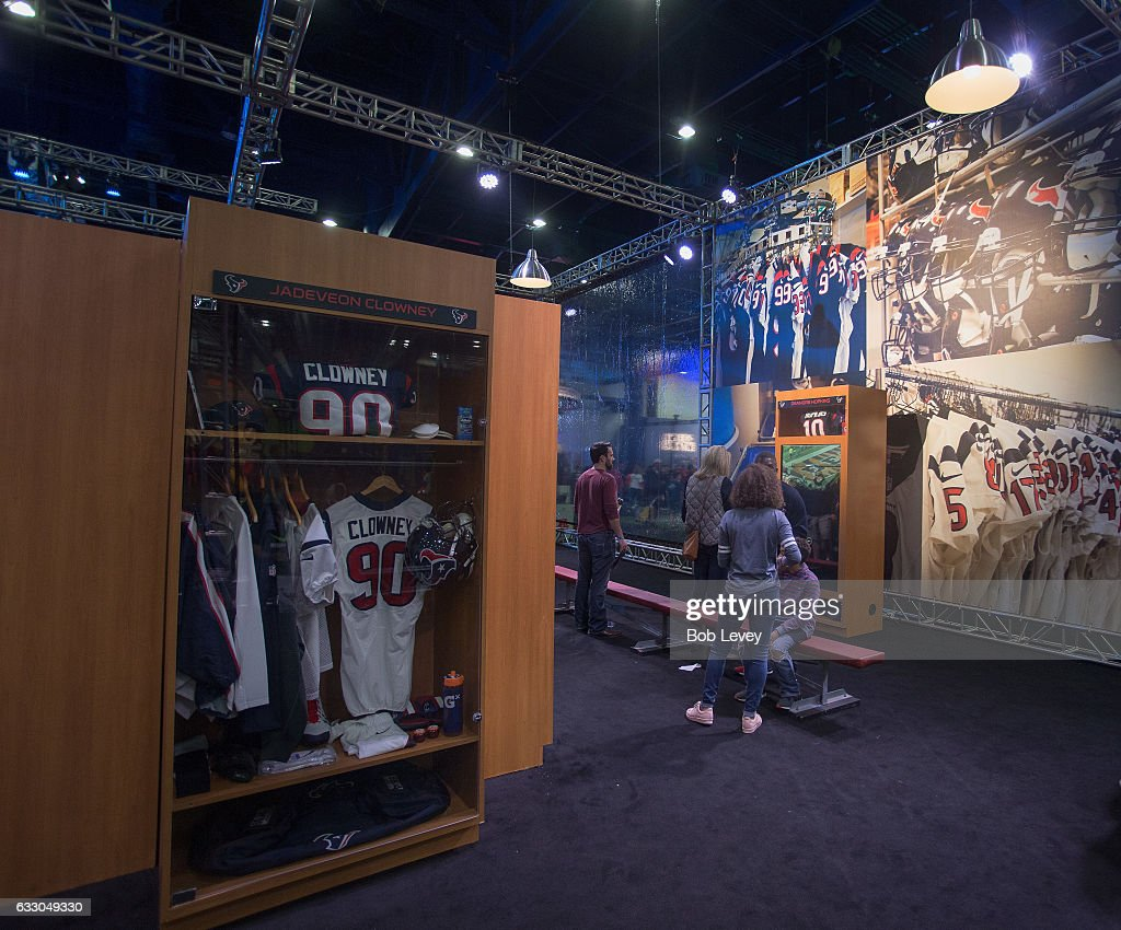 Scenes from the NFL Experience at the George R  Brown
