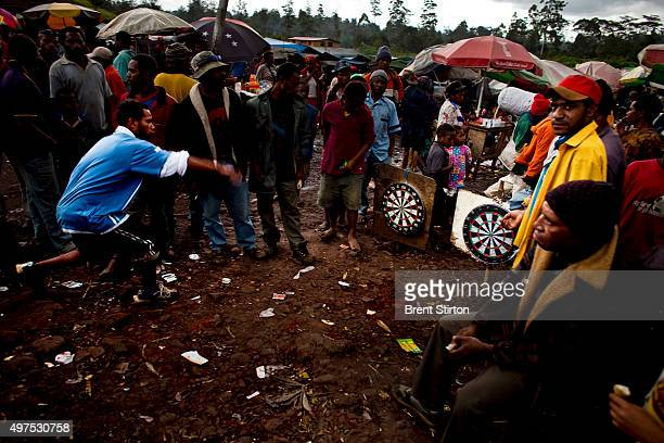 Scenes of highland people at a local roadside market in Mount Hagen Papua New Guinea 16 December 2008 People sell beetlenut vegetables cigarettes at...