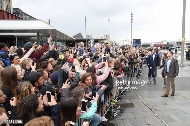Scenes of Prince Harry Duke of Sussex and Meghan Duchess of Sussex during the 'walkabout' on October 30 2018 in Auckland New Zealand The Duke and...