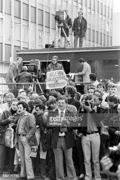 Scenes outside the Old Bailey during the trial of Peter Sutcliffe, the Yorkshire Ripper, 22nd May 1981.