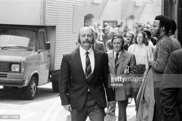 Scenes outside the Old Bailey during the trial of Peter Sutcliffe the Yorkshire Ripper Pictured Prison Officer Anthony Fitzpatrick 8th May 1981