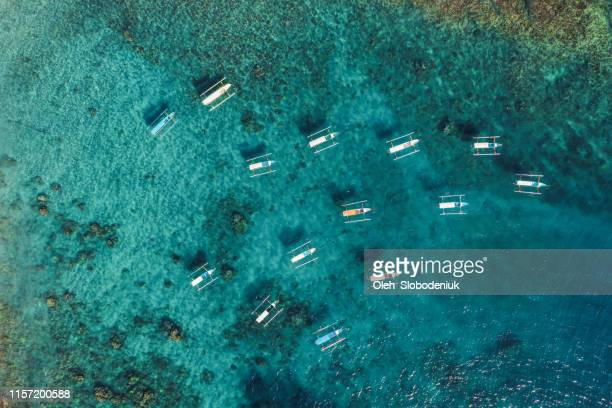 scenic aerial view of seaside on nusa penida - nusa penida stock pictures, royalty-free photos & images