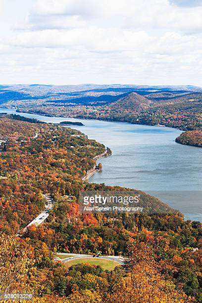 scenic landscape with hudson river at autumn, bear mountain, new york state, usa - river hudson stock pictures, royalty-free photos & images