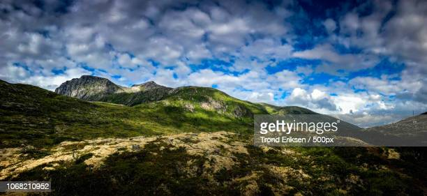 scenic landscape with mountains - eriksen foto e immagini stock