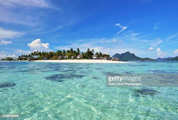 scenic maiga island in tun sakaran marine park, sabah borneo, malaysia. - sabah state stock pictures, royalty-free photos & images