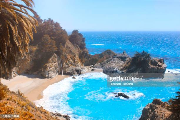 scenic mcway falls, big sur california - mcway falls stock pictures, royalty-free photos & images
