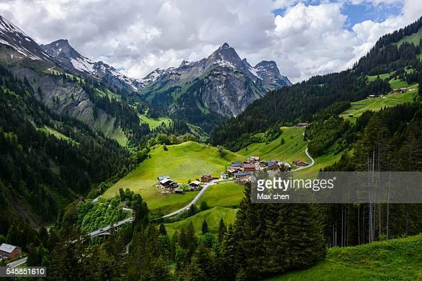 scenic mountain view of the alps in schrocken - vorarlberg stock-fotos und bilder