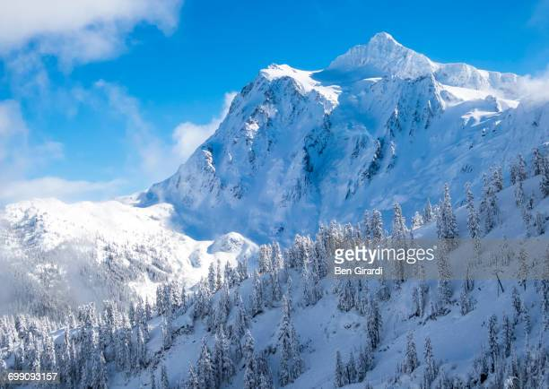 scenic shot of mount shuksan in the winter. - cascade range stock pictures, royalty-free photos & images