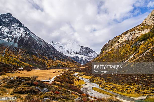 scenic spot of daocheng yading in sichuang province - image stock pictures, royalty-free photos & images