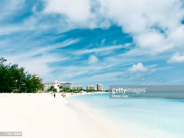 scenic view from beach in nassau, bahamas - ナッソー ストックフォトと画像
