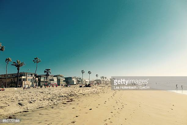 scenic view of beach against blue sky - san diego - fotografias e filmes do acervo