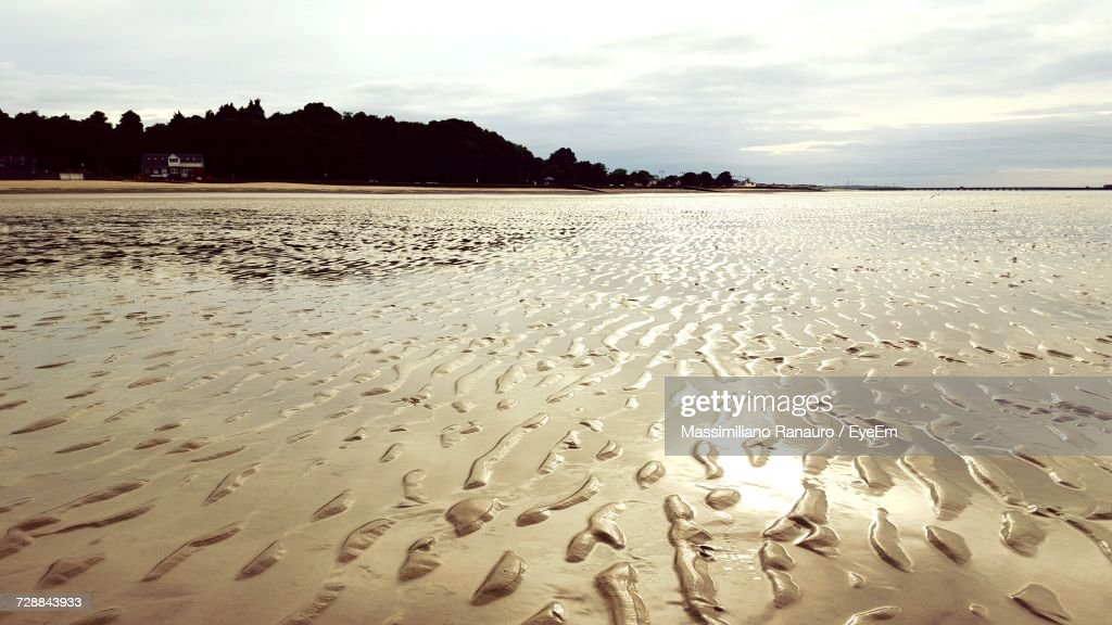 Scenic View Of Beach Against Sky During Sunset : Stock-Foto