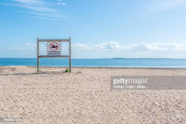 scenic view of beach against sky,long island,new york,united states,usa - norbert zingel stock-fotos und bilder