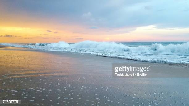 scenic view of beach during sunset - vero beach stock pictures, royalty-free photos & images