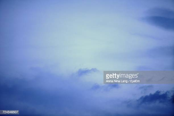 scenic view of blue sky - {{relatedsearchurl('london eye')}} stock photos and pictures