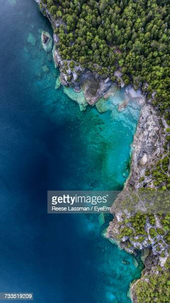scenic view of blue water - great lakes stock pictures, royalty-free photos & images