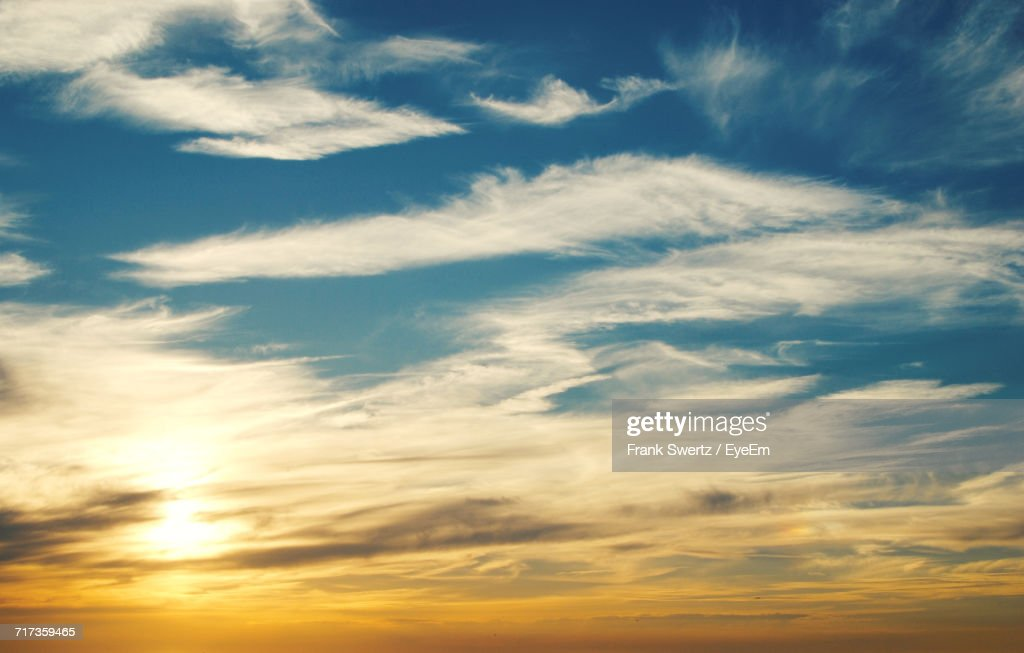 Scenic View Of Clouds In Sky During Sunset : Stock-Foto