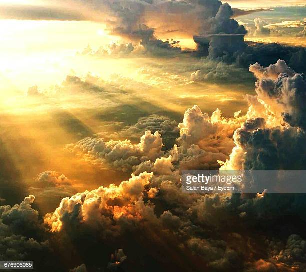 scenic view of cloudscape at sunset - heaven stock pictures, royalty-free photos & images