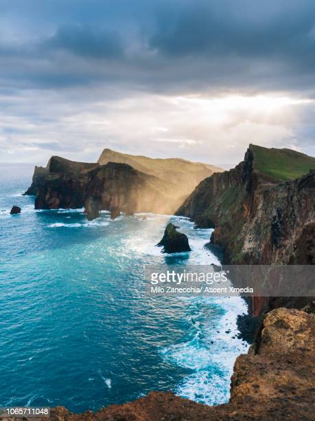 scenic view of coastline and cliffs, elevated perspective - portugal imagens e fotografias de stock