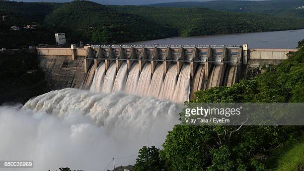 scenic view of dam - hydroelectric power stock pictures, royalty-free photos & images