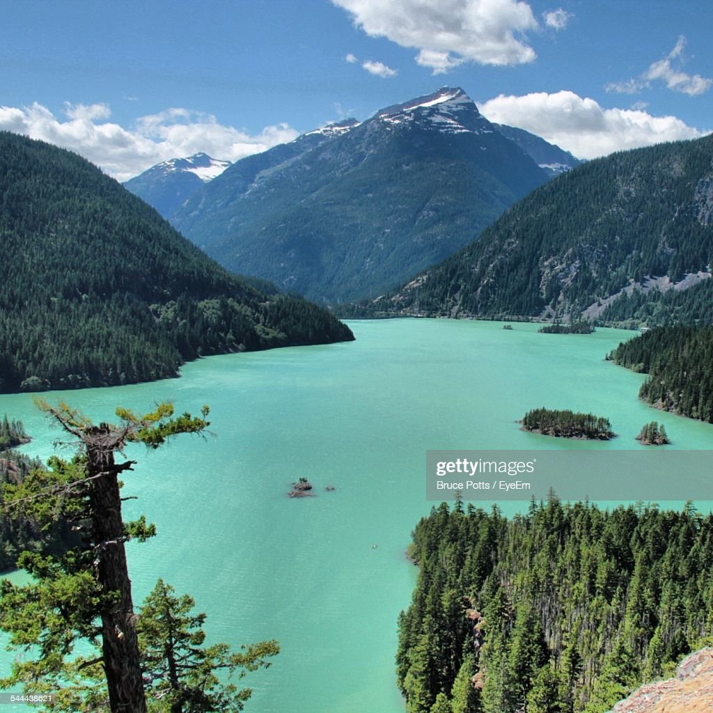 Scenic View Of Diablo Lake And Mountains : Stock Photo