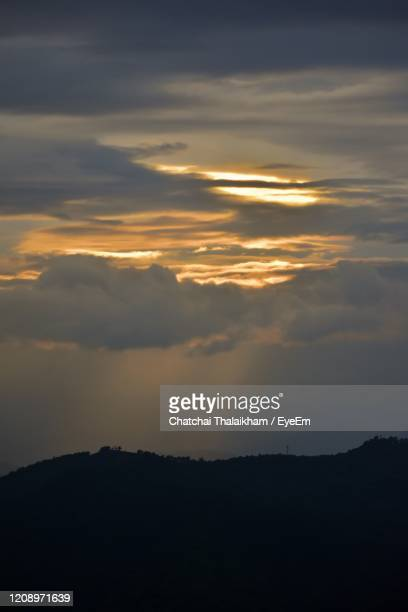 scenic view of dramatic sky during sunset - chatchai thalaikham stock pictures, royalty-free photos & images