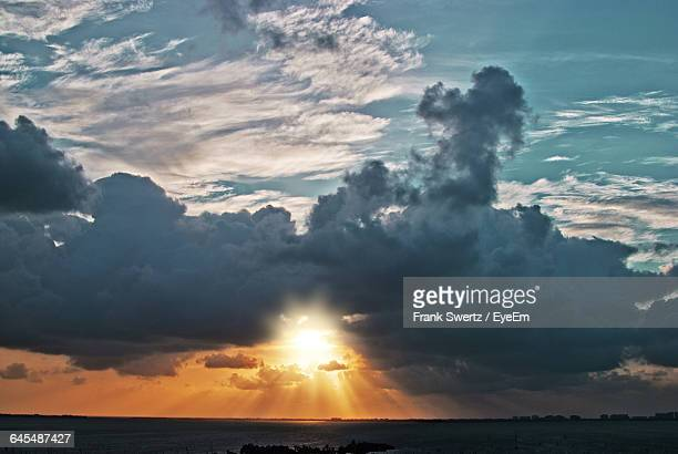 scenic view of dramatic sky over sea - frank swertz stock pictures, royalty-free photos & images