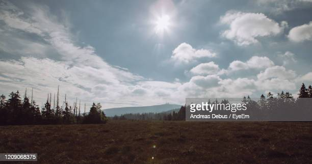 scenic view of field against sky - andreas solar stock pictures, royalty-free photos & images