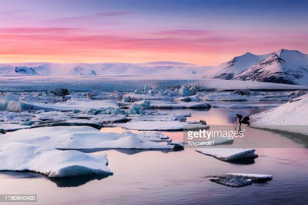 scenic view of jokulsarlon lagoon against sky during sunset, iceland - jökulsárlón lagoon stock pictures, royalty-free photos & images