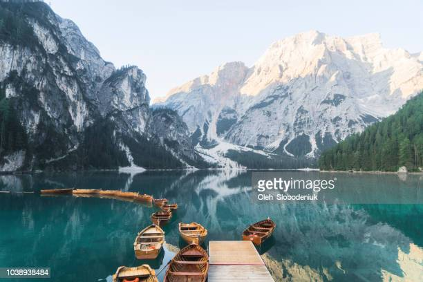 scenic view of lago di braies  in dolomites - pragser wildsee stock pictures, royalty-free photos & images
