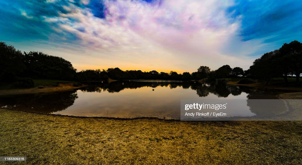 Scenic View Of Lake Against Sky During Sunset : Foto de stock