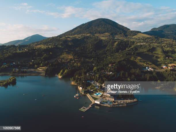 scenic view of lake against sky - bortes stock pictures, royalty-free photos & images