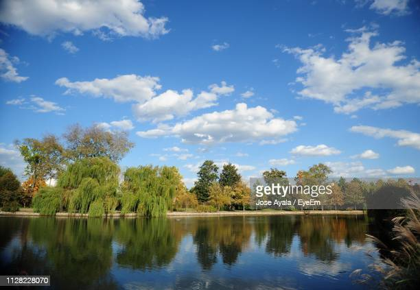 scenic view of lake against sky - jose ayala stock pictures, royalty-free photos & images