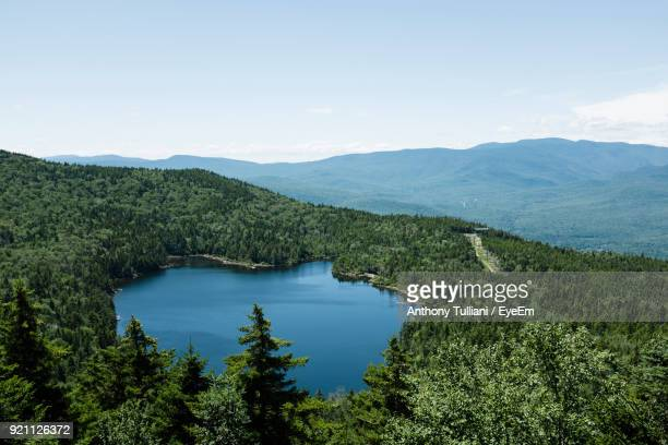 scenic view of lake against sky - new hampshire stock pictures, royalty-free photos & images