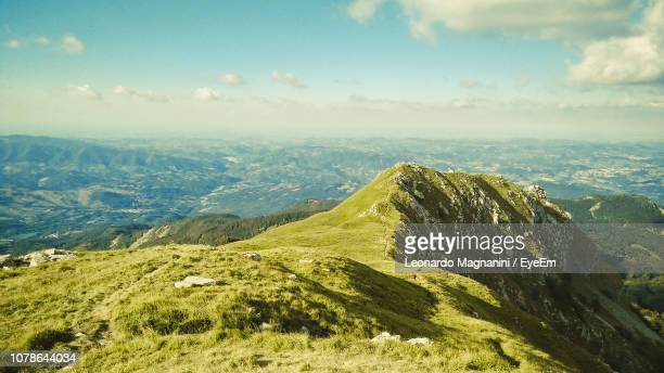 scenic view of landscape against sky - emilia romagna stock photos and pictures