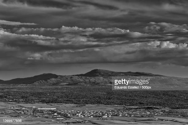 scenic view of landscape against sky, sierra de fuentes, spain - blanco y negro stock pictures, royalty-free photos & images