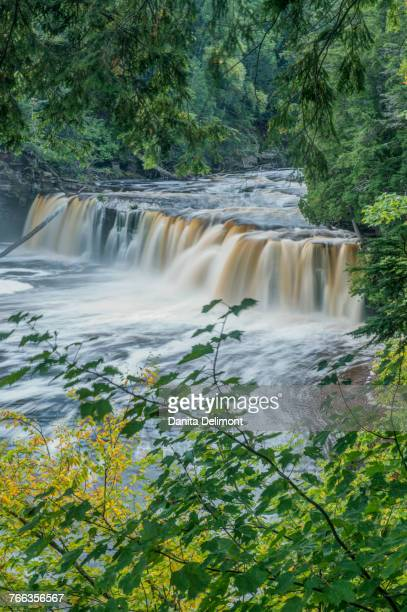 scenic view of manabezho falls, porcupine mountains wilderness state park, michigan, usa - ポーキュパイン山脈ウィルダネス州立公園 ストックフォトと画像