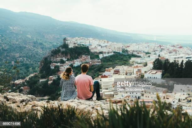 vue panoramique de moulay idriss zerhoun - maroc photos et images de collection