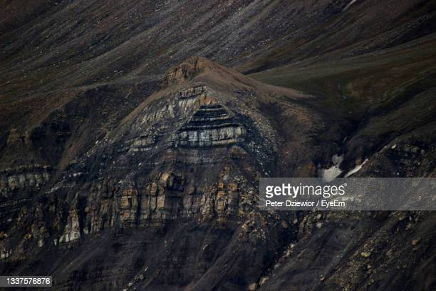 scenic view of mountain - svalbard and jan mayen stock pictures, royalty-free photos & images