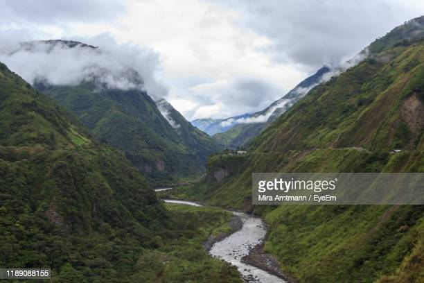 scenic view of mountains against cloudy sky - ecuador stock-fotos und bilder
