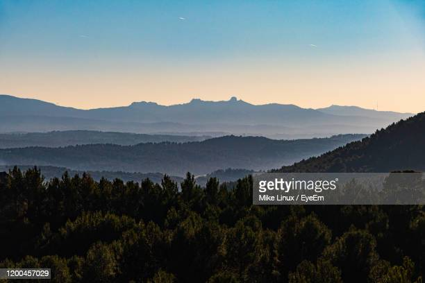 scenic view of mountains against sky at sunset - bouches du rhone stock pictures, royalty-free photos & images