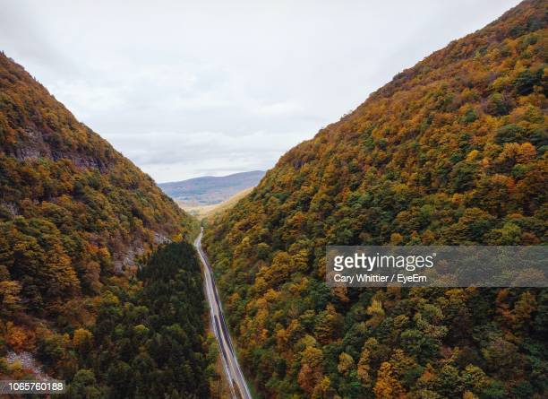 scenic view of mountains against sky during autumn - cary stockfoto's en -beelden