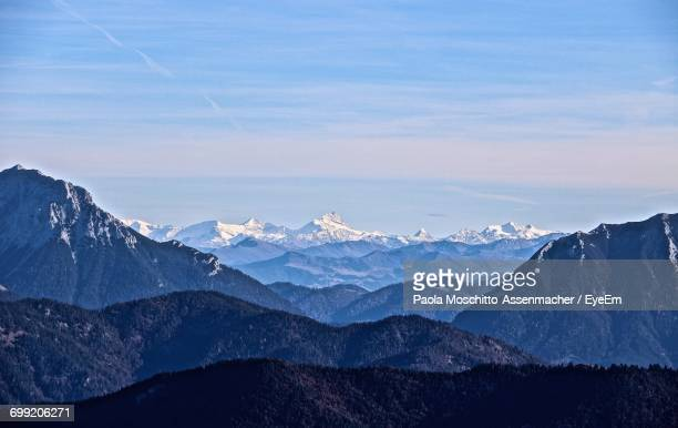 scenic view of mountains against sky during sunset - paola tedesco foto e immagini stock