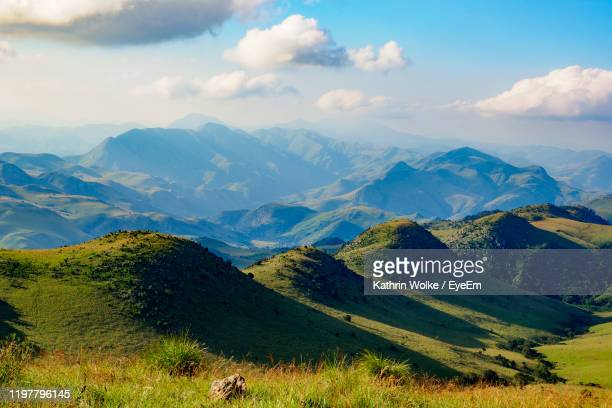 scenic view of mountains against sky - swaziland fotografías e imágenes de stock